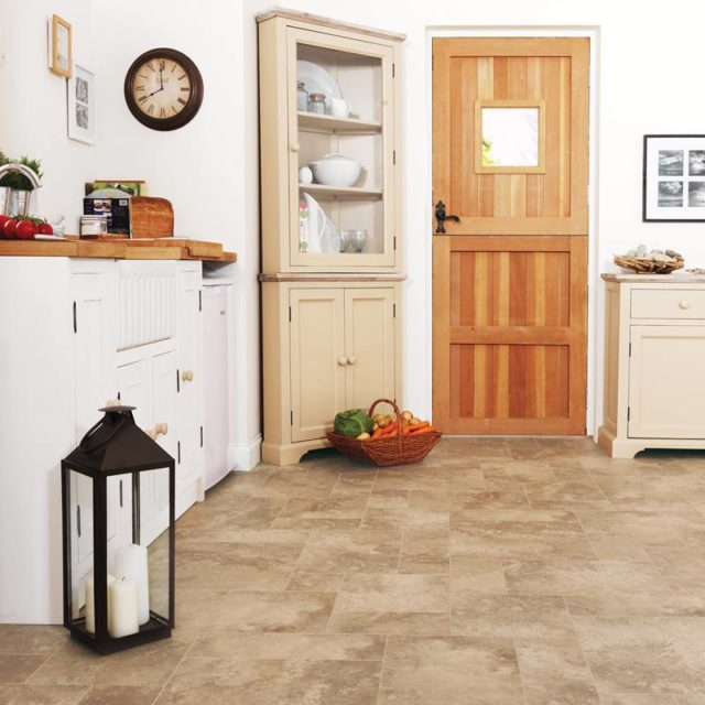 Guernsey Limestone - Art Select   Room View