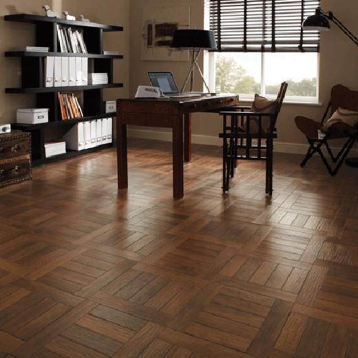 Russet Oak AP31   Karndean Luxury Vinyl Tiles