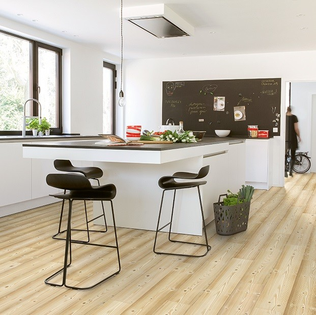 Quick Step Laminate | Impressive | Natural Pine IM1860