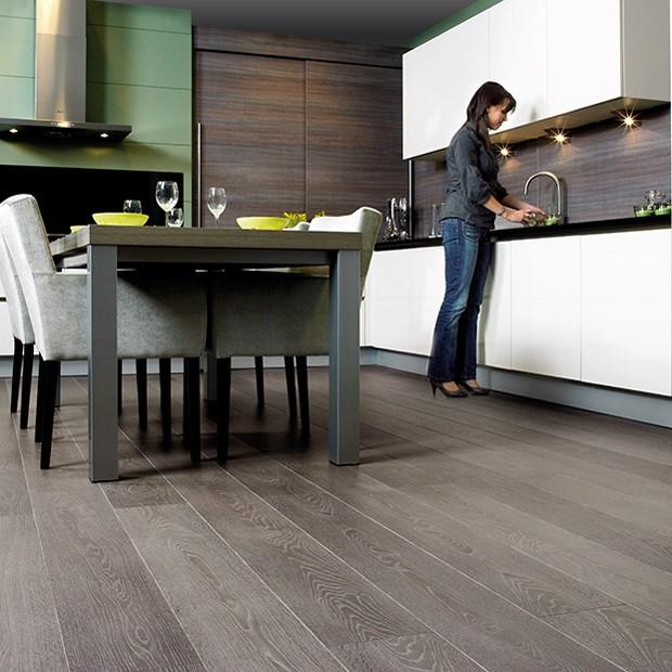 Best Laminate Flooring For Kitchen: Grey Vintage Oak Planks LPU3986 Laminate Flooring