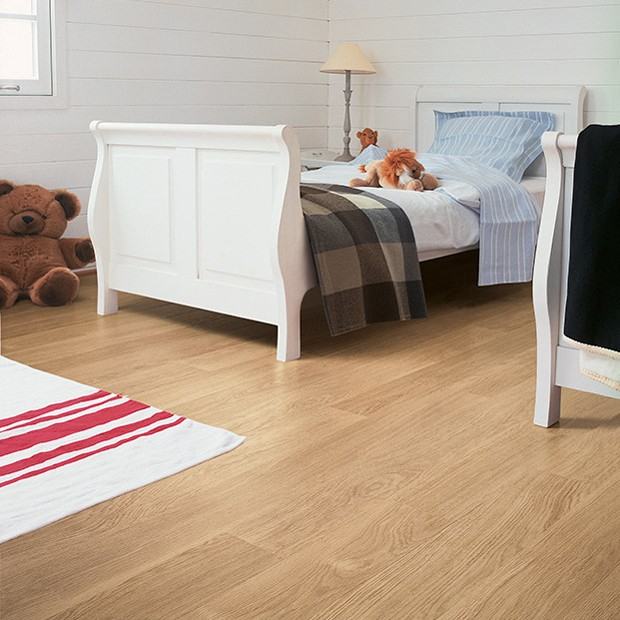 Quick Step Laminate | White Varnished Oak Planks EL915