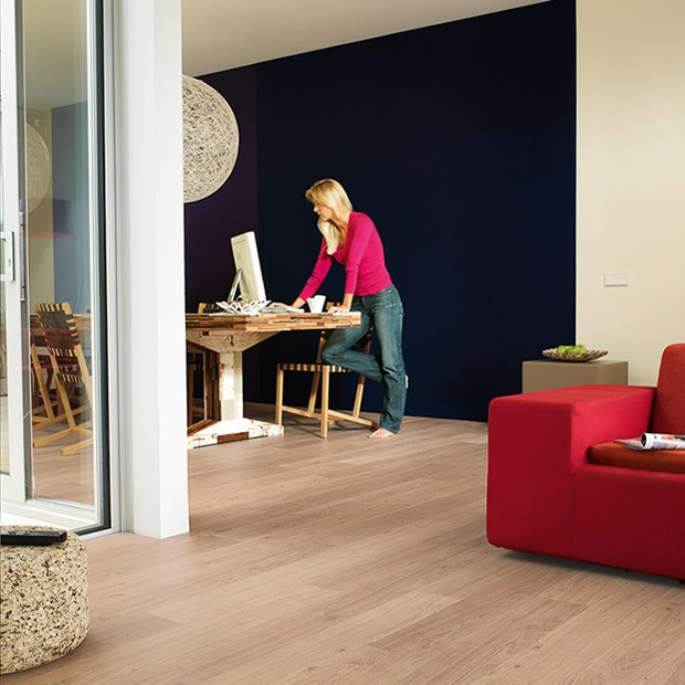 Worn Light Oak Planks UE 1303 | Quick-Step Laminate