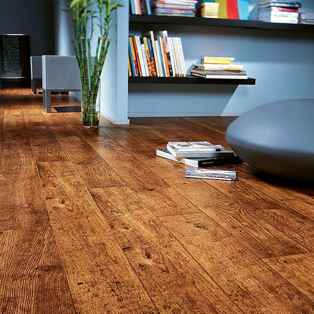 Quick Step Laminate | Perspective | Antique Oak Planks UF861