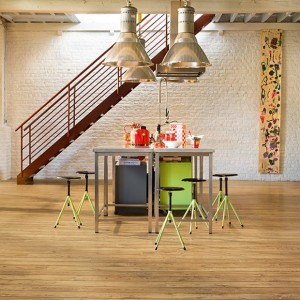 Reclaimed Chestnut Natural Plank UFW 1541 | Quick-Step Laminate