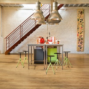 Reclaimed Chestnut Natural Plank ULW1541 | Quick-Step Laminate