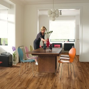 Reclaimed Chestnut Antique Plank ULW1543 | Quick-Step Laminate