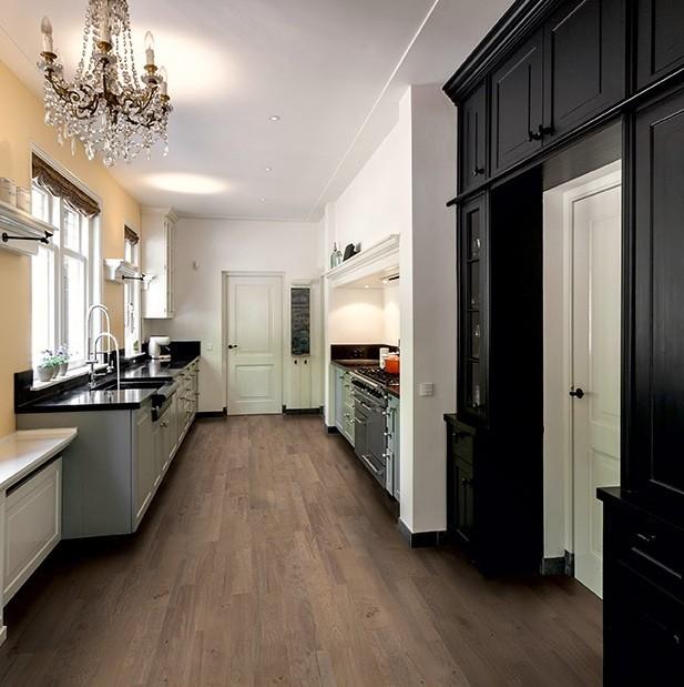 Royal Grey Oak Oiled VAR1631   Quick-Step Engineered Wood