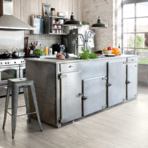 Canyon Oak Grey Saw Cuts BACL40030 | Quick-Step Livyn LVT