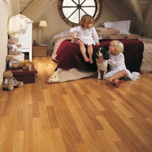 Enhanced Oak Natural Varnished CL998   Quick-Step Laminate