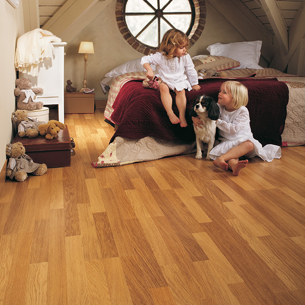 Quick Step Laminate | Classic | Enhanced Oak Natural Varnished CL998