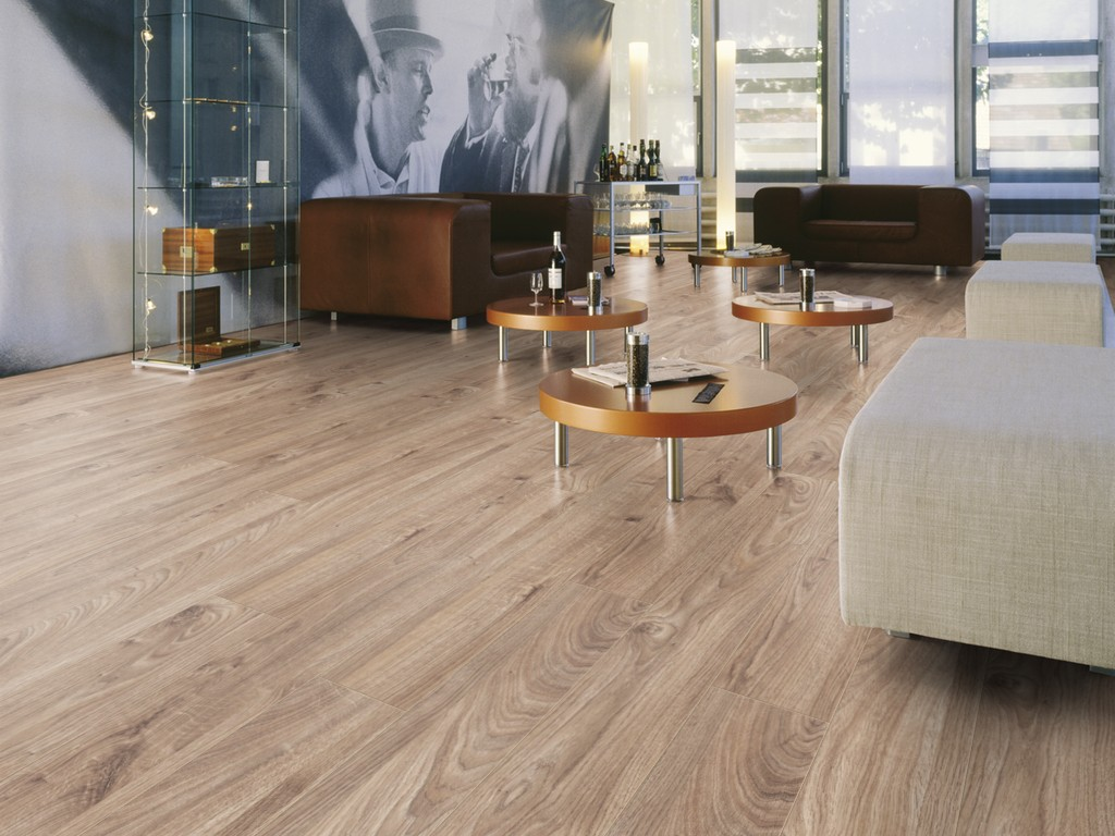Everest Oak Beige D3081 | Kronotex Laminate
