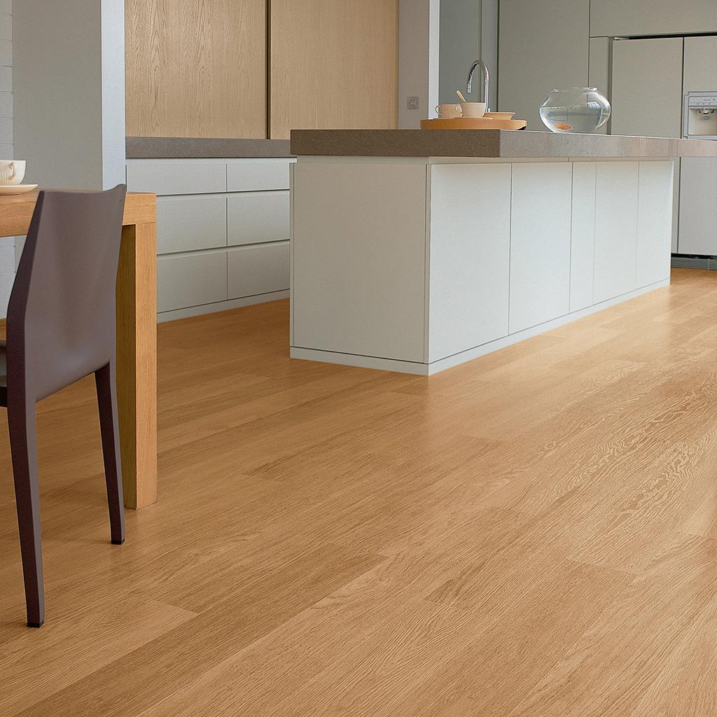 Quick Step Laminate | Eligna | Natural Varnished Oak EL896