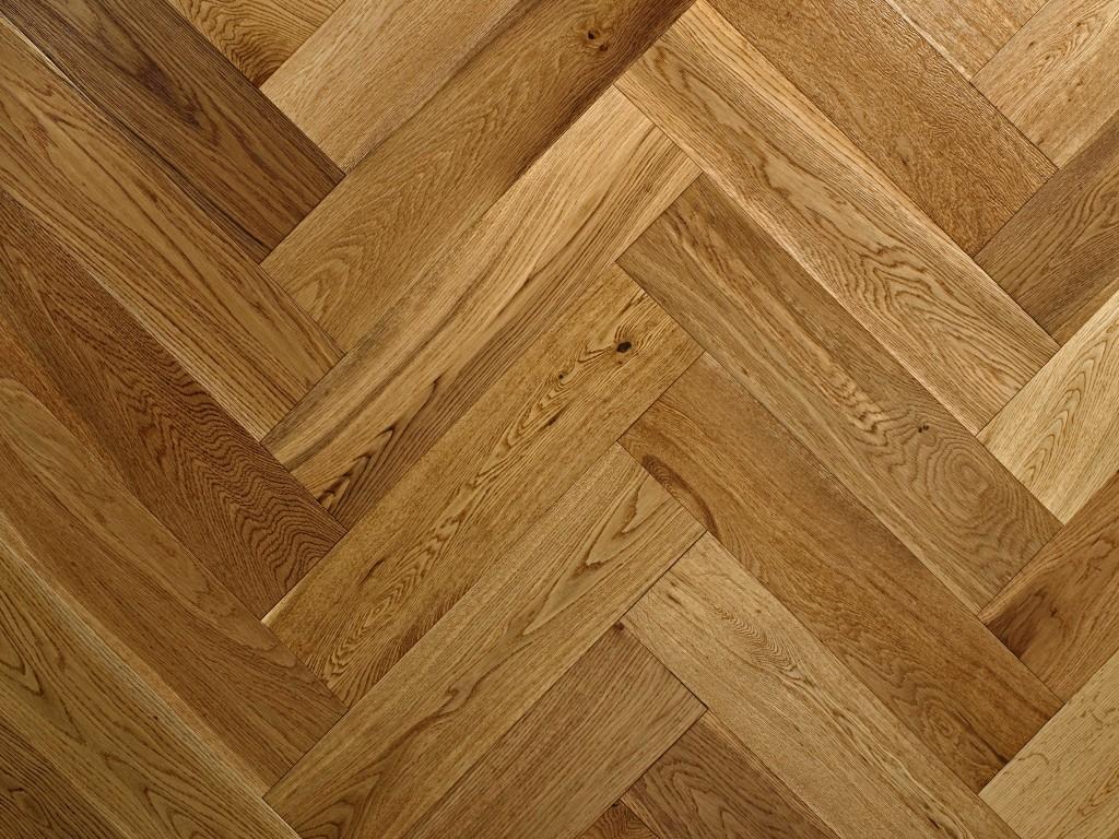 Brushed & Lacquered Oak Herringbon