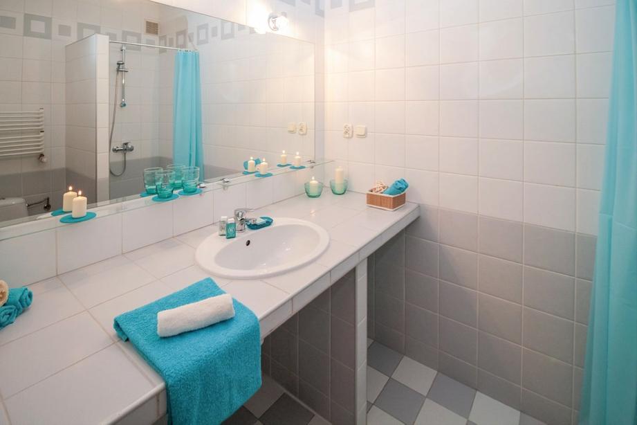 Beachy Blue bathroom