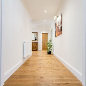 Oak Rustic Golden Stained Brushed & UV Oiled EP103