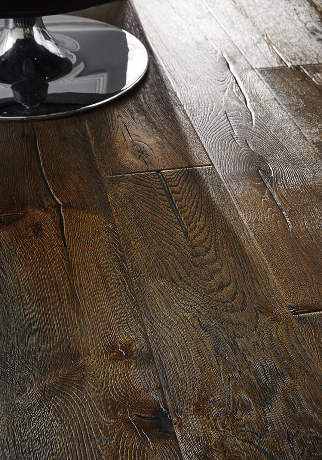 220m Antique Distressed Smoked Oak