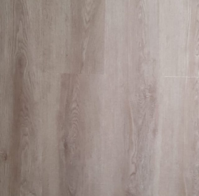 Foundry Oak | Sanders & Fink Wood Click Luxury Vinyl Tiles