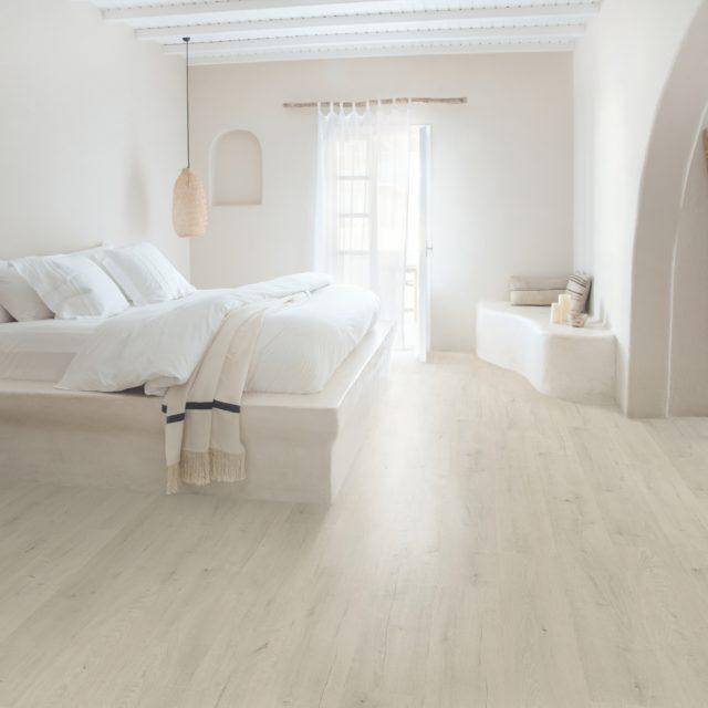 Soft Patina Oak SIG4748   Signature   Quick-Step Laminate Flooring