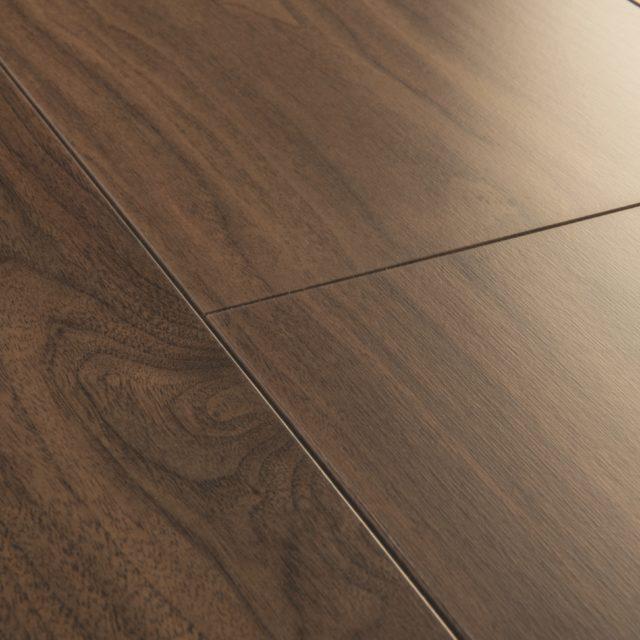 Chic Walnut SIG4761 | Signature | Quick-Step Laminate Flooring - Close Up
