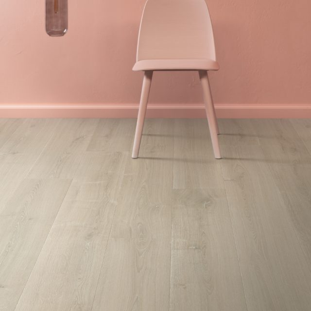 Brushed Oak Beige SIG4764 | Signature | Quick-Step Laminate Flooring - Dinning Room
