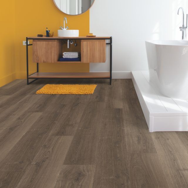 Brushed Oak Brown SIG4766 | Signature | Quick-Step Laminate Flooring