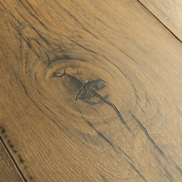 Cracked Oak Natural SIG4767 | Signature | Quick-Step Laminate Flooring - Close Up