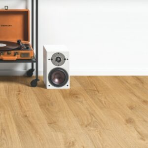 Quick-Step Alpha Vinyl Autumn Oak Honey AVMP40088 | Best at Flooring