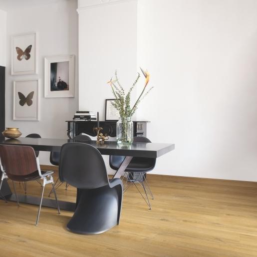 Quick-Step Alpha Cotton Oak Deep Natural AVMP40203 | Best at Flooring