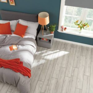 Light Distressed Oak VGW111T | Karndean Van Gogh | Best at Flooring