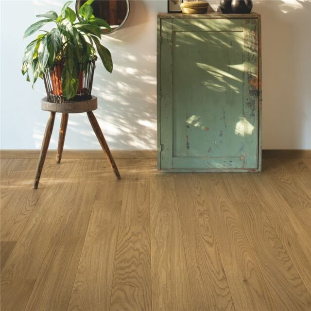Light Chestnut Oak Extra Matt COM5113 | Quick-Step Compact | BestatFlooring