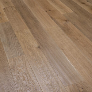 Medium Stained, Handscraped, Brushed & UV Oiled Oak | Best at Flooring