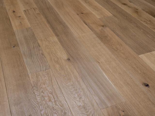 Medium Stained, Handscraped, Brushed & UV Oiled Oak | Best at Flooring