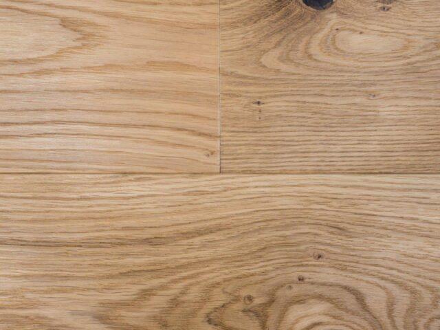 18mm Brushed & UV Oiled Oak Engineered Wood | Close Up
