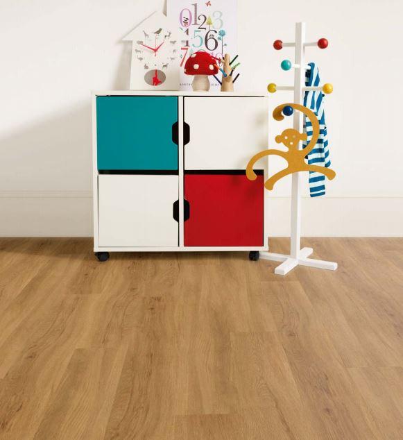 Butternut Oak 3443 | Polyflor Camaro Loc | Best at Flooring