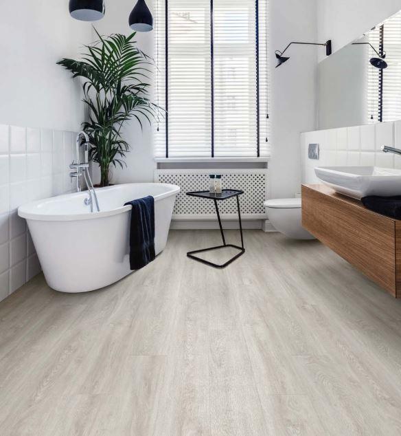 Clara Oak 3461 | Polyflor Camaro Loc | Best at Flooring