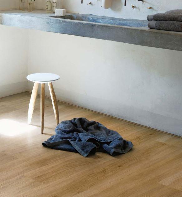 Evergreen Oak 3442   Polyflor Camaro Loc   Best at Flooring