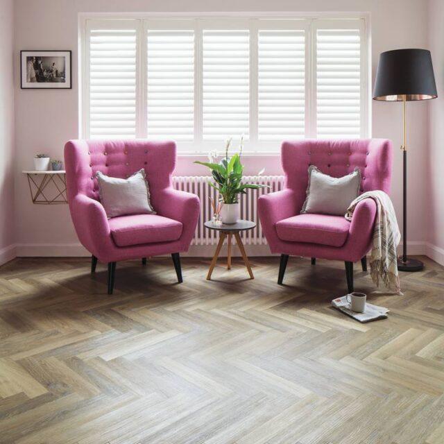 Lime Washed Oak SM-KP99   Karndean Knight Tile   Lounge