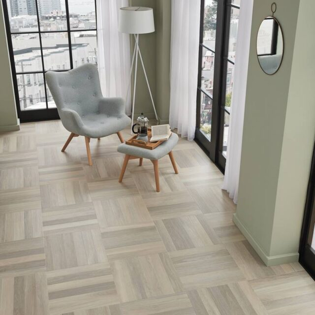Glacier Oak SM-RL21   Karndean Art Select Parquet   Living Room