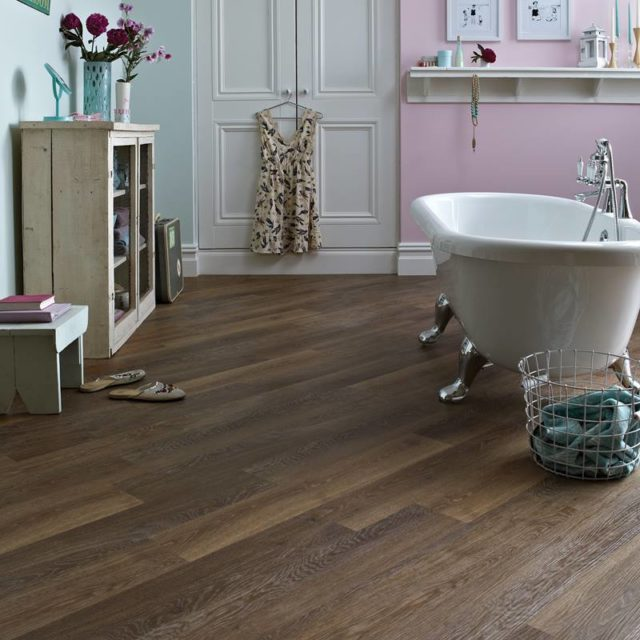 Mid Limed Oak - Knight Tile   Room View