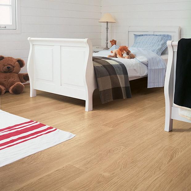 Quick Step Laminate | White Varnished Oak Planks EL915