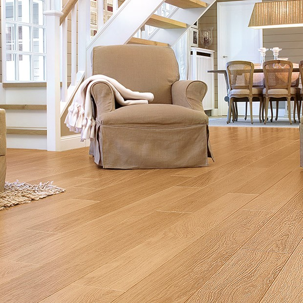 Quick Step Laminate | Perspective | Natural Varnish Oak Planks UF896