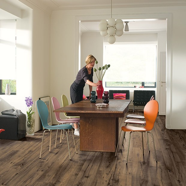 Quick Step Laminate | Perspective Wide | Reclaimed Chestnut Brown Plank ULW1544