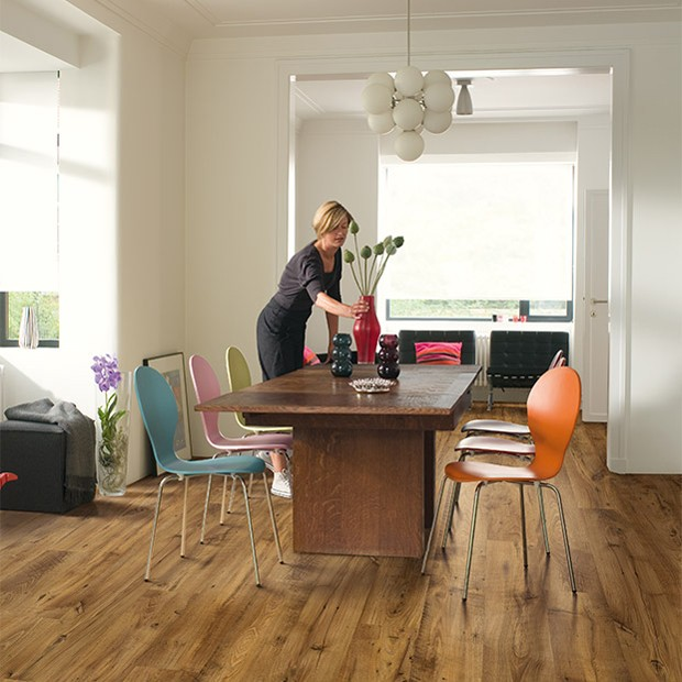 Quick Step Laminate | Eligna Wide | Reclaimed Chestnut Antique Planks UW1543