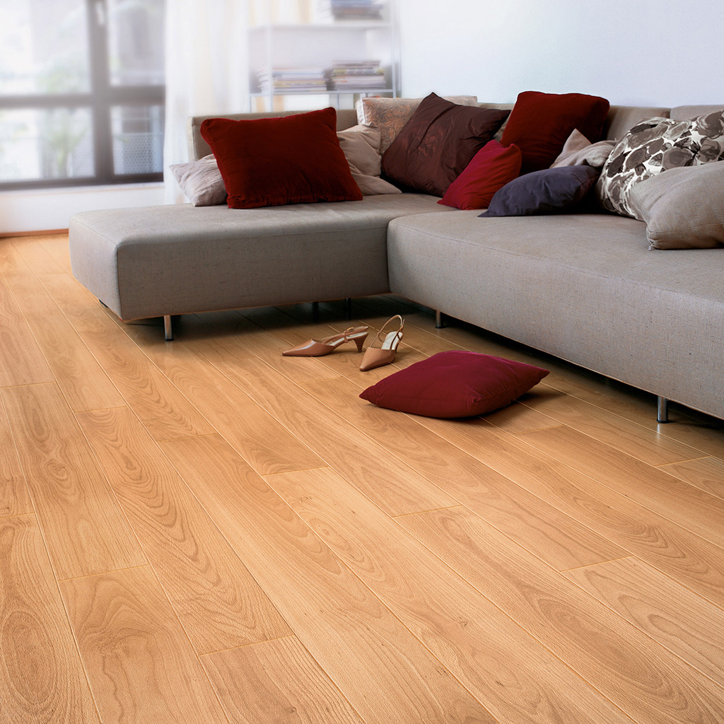 Quick Step Laminate | Perspective | Varnished Beech UF866