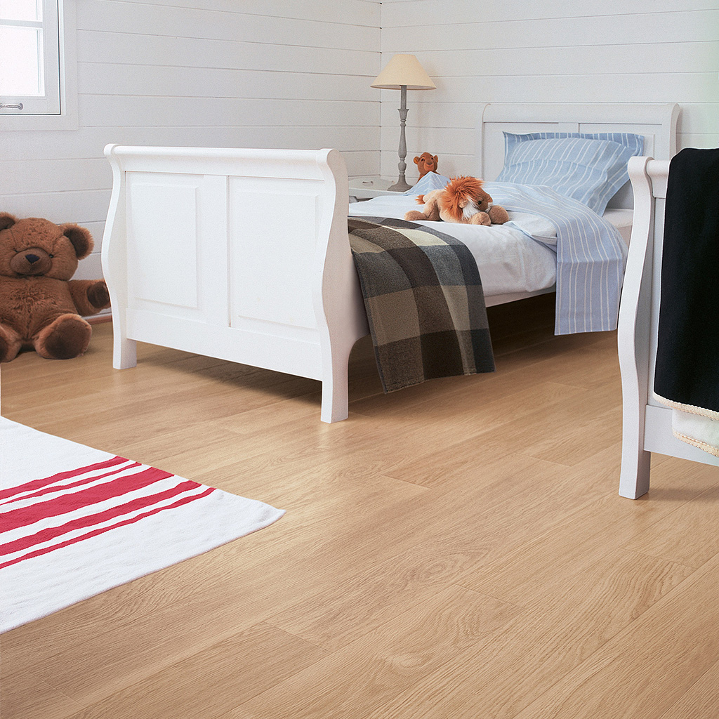 Quick Step Laminate | Perspective | White Varnished Oak UF915