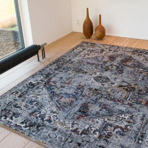 Divan Blue 8707 | Louis de Poortere Antiquarian Heriz Rugs | Best at Flooring